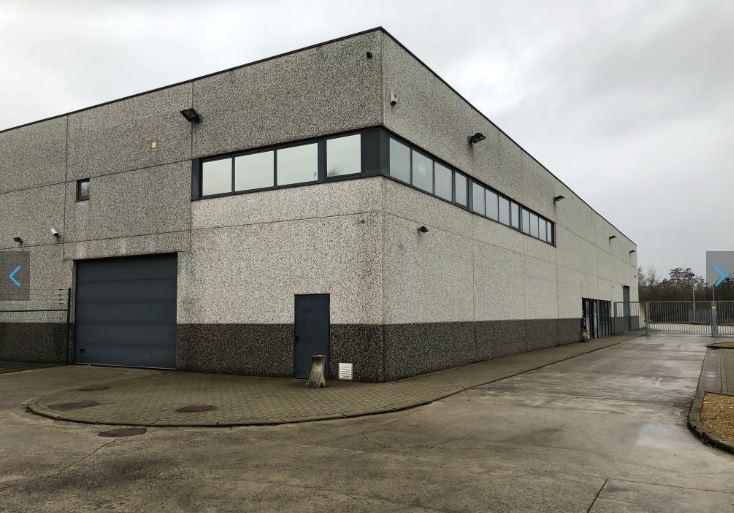 Bureau de 700 m² à louer – Anton