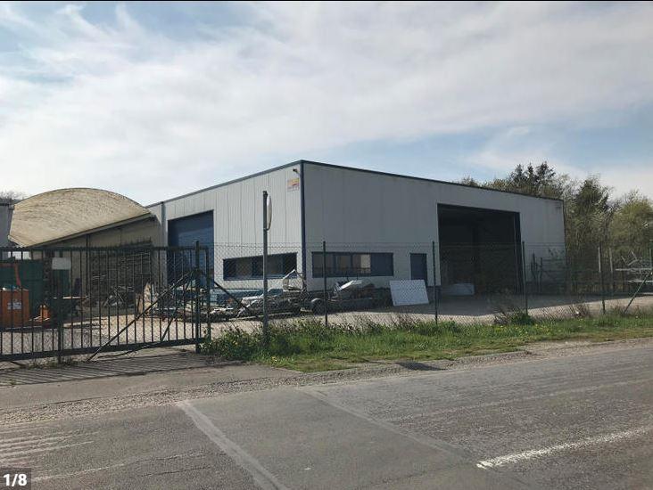 Entrepôt de 600 m2 à louer – Seilles