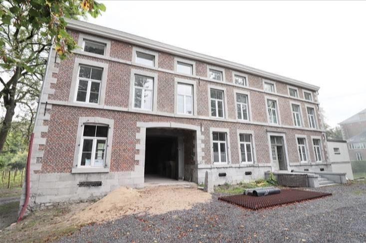 Immeuble de bureaux à louer de 14m2 à 28m2 – Thon