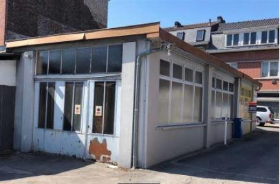 Entrepôt à louer à Andenne- 308m2 – 700euros/mois